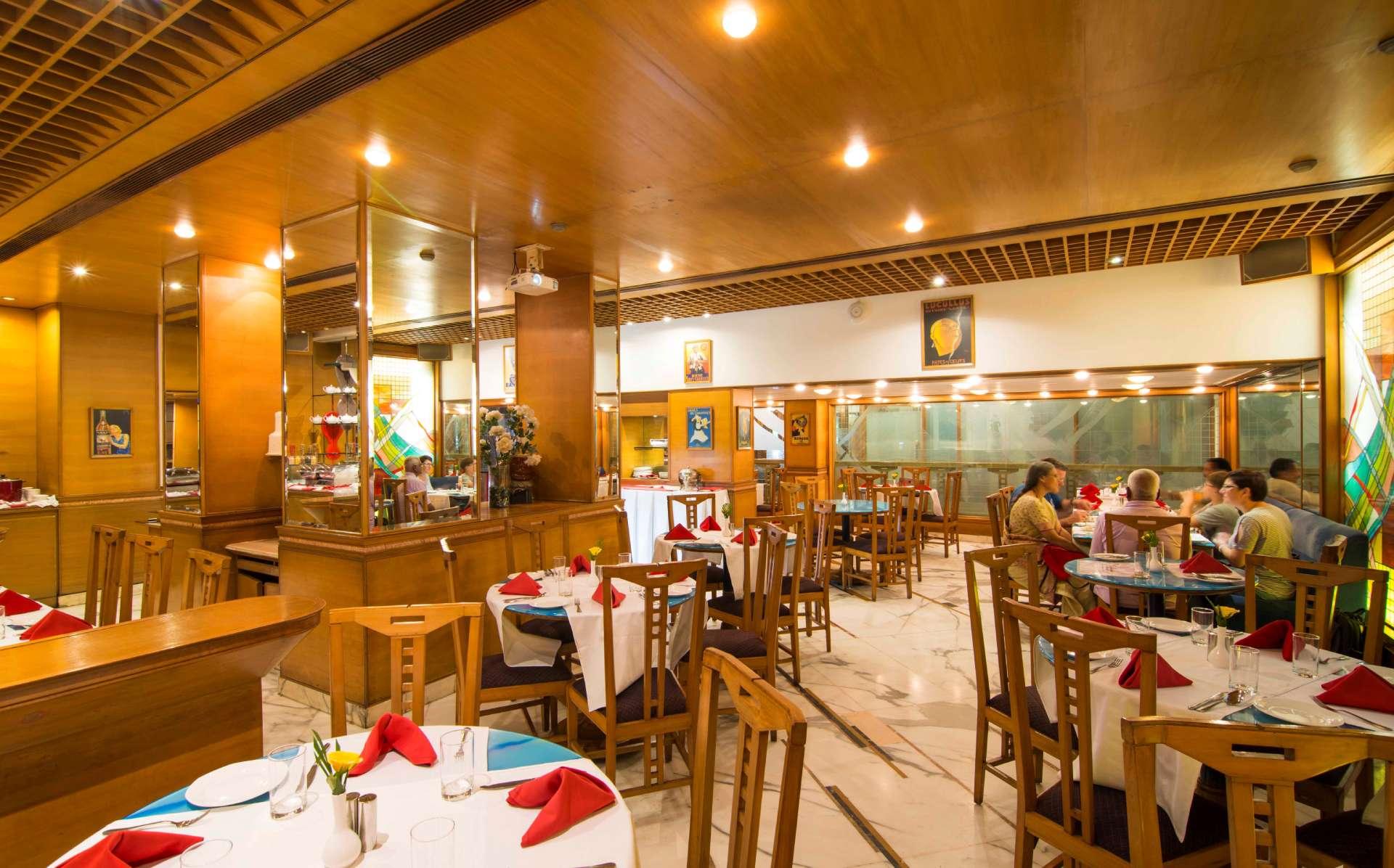 flavours restaurant the ambassador mumbai 1 - The Ambassador | Heritage Hotels in Mumbai, Aurangabad, Chennai - Flavors Cafe