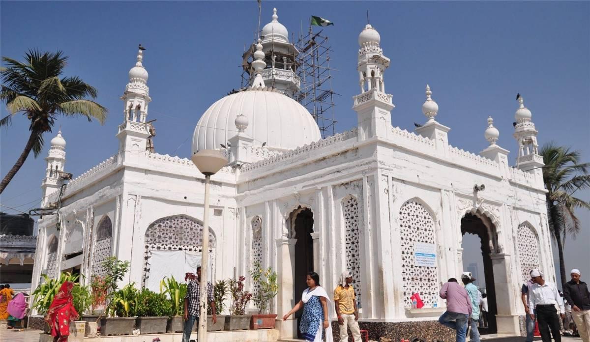 haji ali dargah - The Ambassador | Heritage Hotels in Mumbai, Aurangabad, Chennai - Citybite