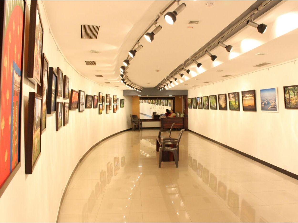 jehangir art gallery mumbai 2 - The Ambassador | Heritage Hotels in Mumbai, Aurangabad, Chennai - Citybite