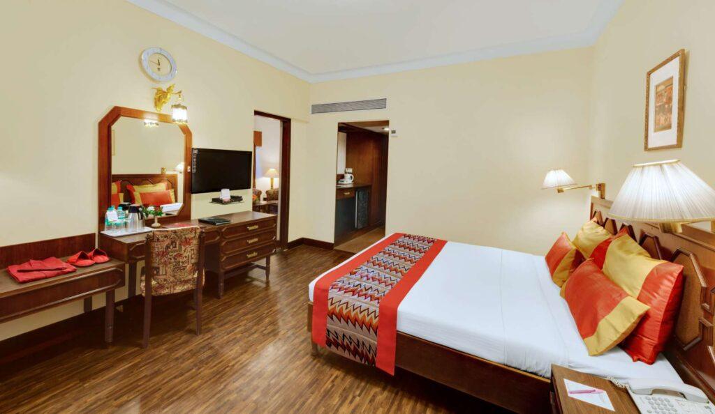 Deluxe Room Ambassador Ajanta Aurangabad banner 4 - The Ambassador | Heritage Hotels in Mumbai, Aurangabad, Chennai - Deluxe Room