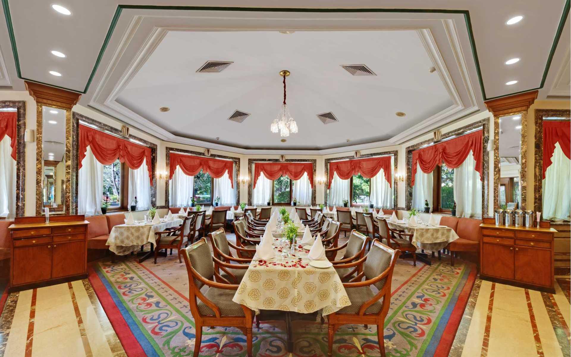 Society Restaurant Ambassador Ajanta Aurangabad Dining 2 - The Ambassador | Heritage Hotels in Mumbai, Aurangabad, Chennai - The Society Restaurant