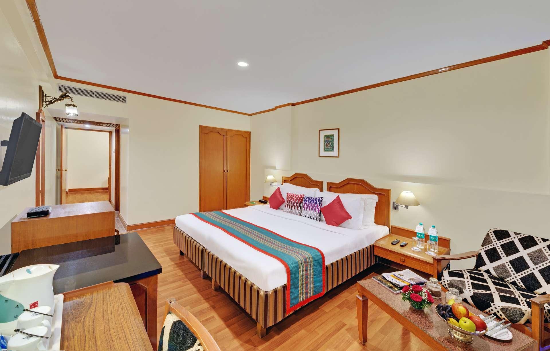 chennai executive suite ambassador pallava bed banner - The Ambassador | Heritage Hotels in Mumbai, Aurangabad, Chennai - Executive Suite